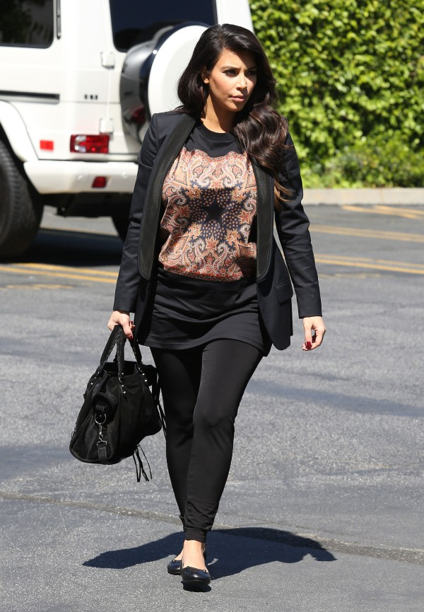 51052057 Reality stars Kim, Khloe, and Kourtney Kardashian stop by their mom's office in Los Angeles, California on March 29, 2013. FameFlynet, Inc - Beverly Hills, CA, USA - +1 (818) 307-4813